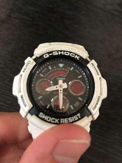 🚚 G-shock 白色經典手錶