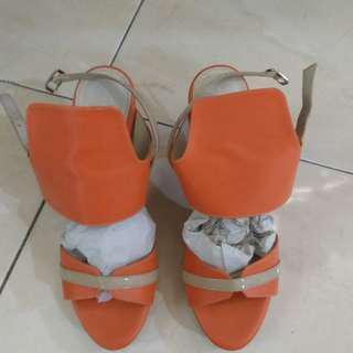 Sepatu sandal keren