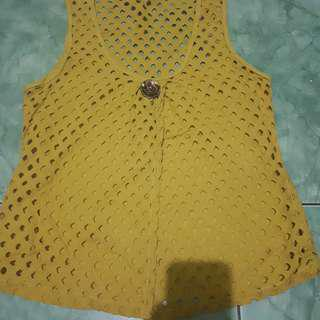 OUTER YELLOW ROMPI VEST