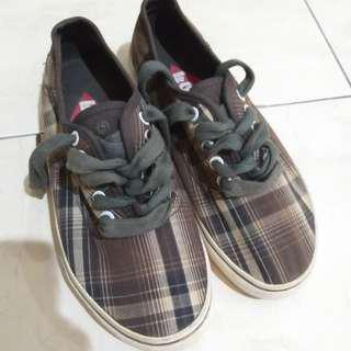 Sepatu Lee Cooper Ori
