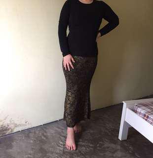 Black and Gold Baju Kurung