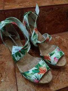 sepatu floral american eagle