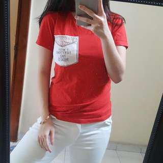 Kaos Tshirt Merah