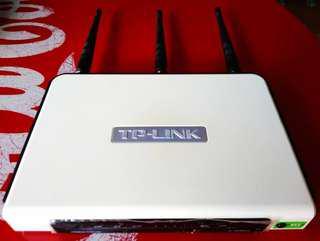 TP-Link WR940N 300mbps 3天線 路由器 沒有9V火牛