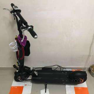 E-Scooter 48v 12A ( Fast deal $300 )