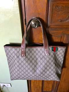Authentic gucci bag complete inclusions like new condition