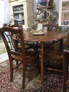 Meja Makan kayu solid 4 kerusi