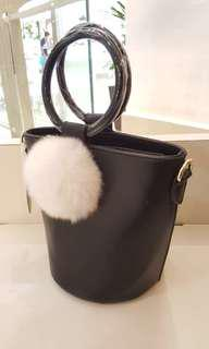Black Pompom-tail Bag