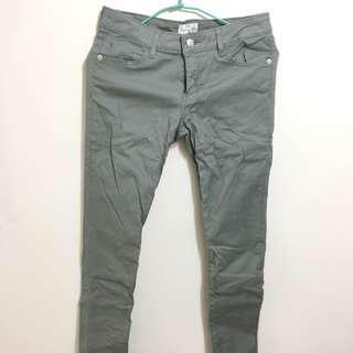 🚚 湖水綠褲