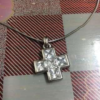 (免費-藍田取) 十字吊墜頸鏈