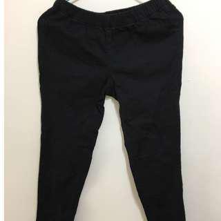 🚚 黑色窄管褲