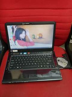 Sony i5 DVD internal camera 14 inches screen good for study