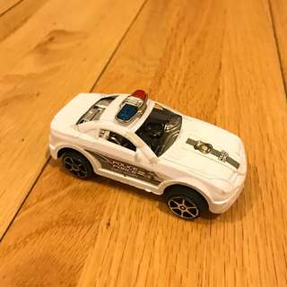 FREE mobil polisi mainan plastik