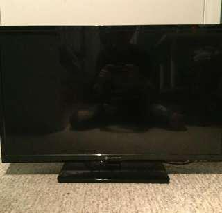 """X box 360 ,40+ games and 32"""" TV"""