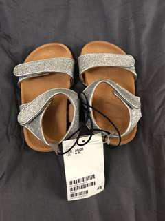 H&M NEW Sandal US4-5
