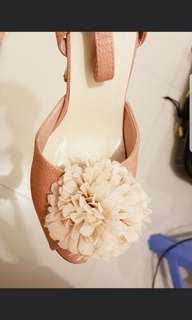 nude pink size 6