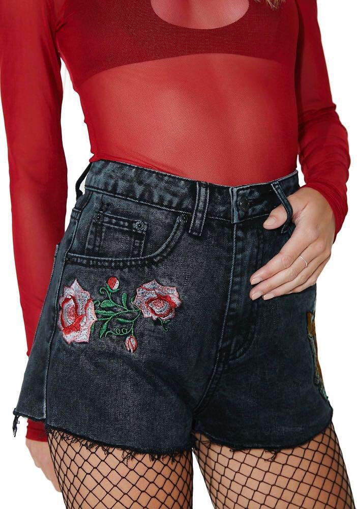 Dollskill Wild Roar Embroidered Shorts Dark Grey Wash Denim Highwaist Shorts Frayed Streetwear