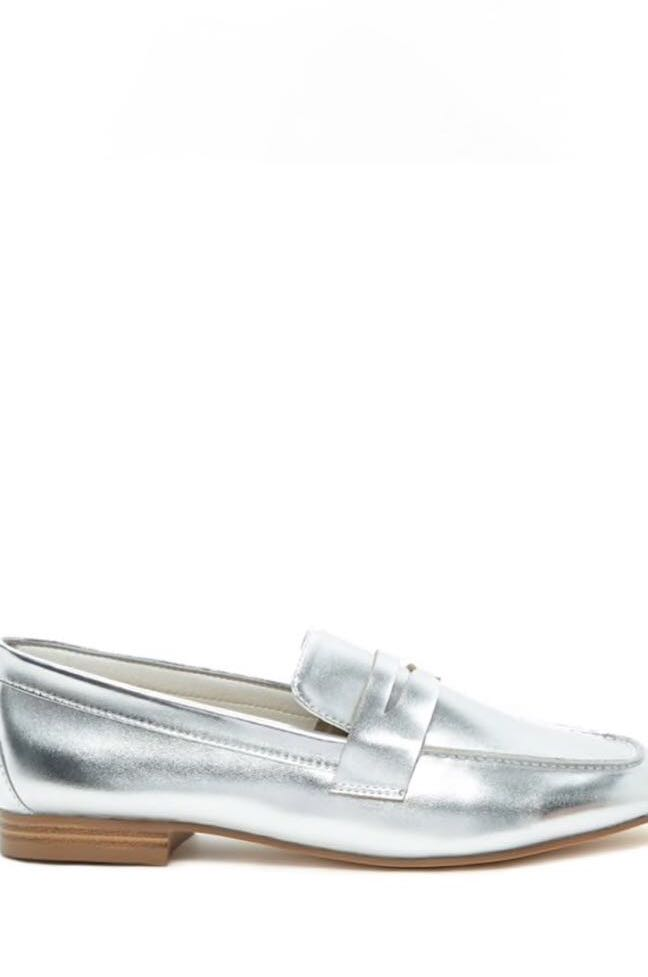 e766e29ec0b Forever21 Ladies Silver Loafers (size 38)