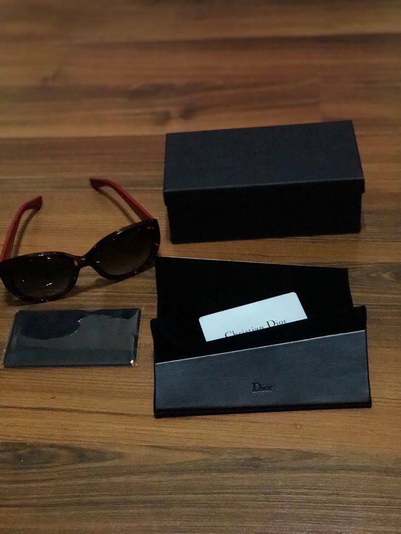 b37da8af769 Home · Women s Fashion · Accessories · Eyewear   Sunglasses. photo photo ...