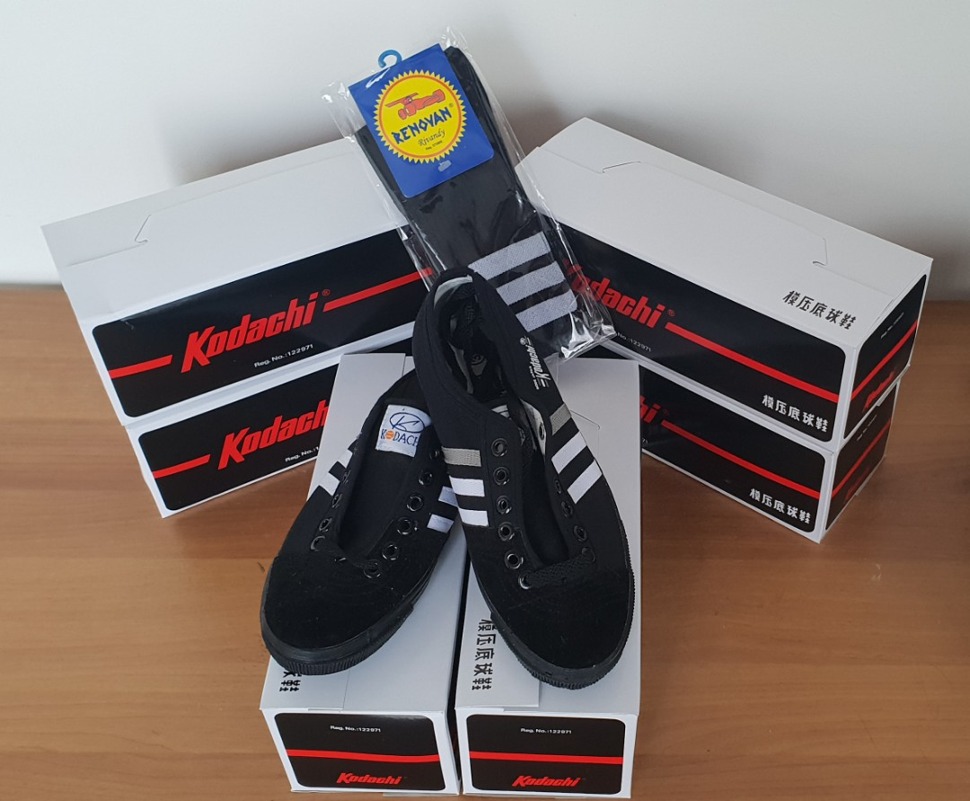 Sepatu capung kodachi 8111 fullblack fullblack, Men's Fashion, Men's Footwear, Sneakers on Carousell