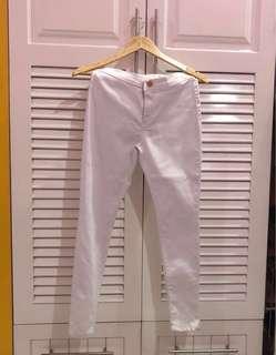 White Highwaisted Pants