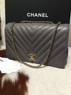 ❣2018 Chanel Medium Flap Chevron