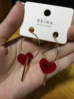 全新 Reina 亞加力膠 紅心 ♥️ 耳環