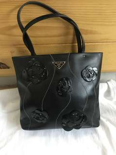 Authentic small Prada Leather Bag,80%new,size 20*20*3cm