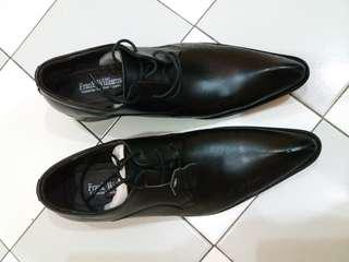 Brand new frank Williams formal leather dress shoes