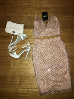 "MISGUIDED ""Love other things"" 2 piece set skirt and crop glitter nude"