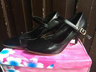 Black shoes for ladies!