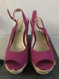 Repriced! Magenta wedge unused just stored size 8 1/2