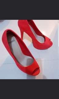 novo heels coral size 5