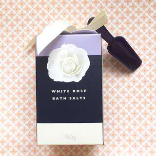 Nail polish, bath salt, bath set
