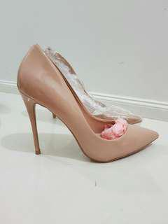Aldo nude patent leather heels