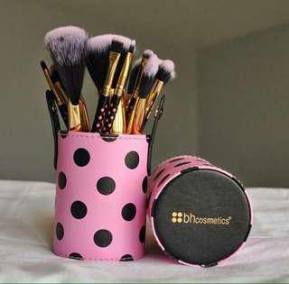 BH Cosmetics Dot Collection Brush Set #maudecay