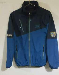 Jaket Outdoor Discovery
