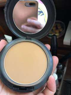 MAC Studio Fix Powder Nc45