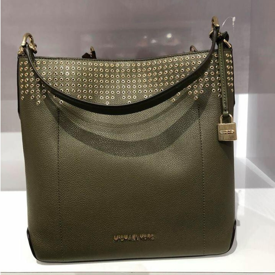 77360b348763 Carousell의 100% Authentic Michael Kors Hayes Large Bucket Bag ...