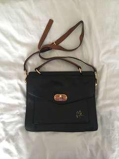 Tilkah Messenger Bag