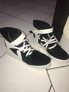 Black & white shoes Size 37-38