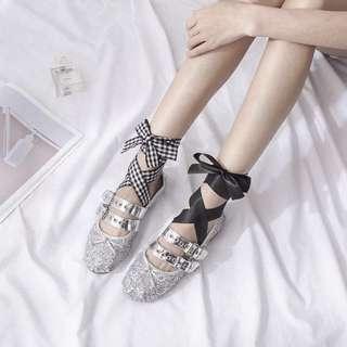 芭蕾舞交叉綁帶鞋