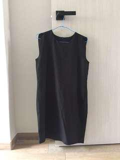 New with tag Size S black dress