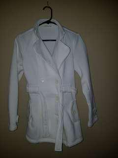 White coat with detatchable hood