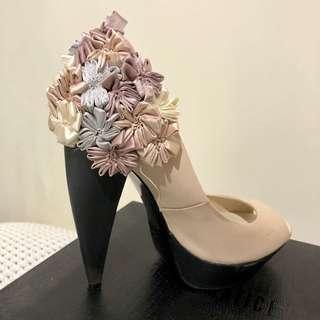 [SIREN MATICEVSKI] Parasole Cream Heels with Flower Detailing