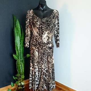 Women's size 14 'FRANK LYMAN' Stunning animal print dress - AS NEW
