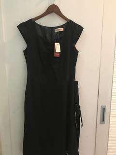 🚚 專櫃全新黑色洋裝