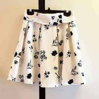 Majestic Legon 米黃色底黑色花束腰半截裙 Skirt