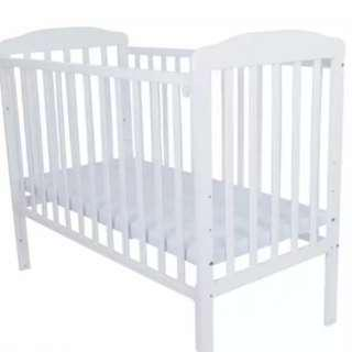 Baby cot white color with bed