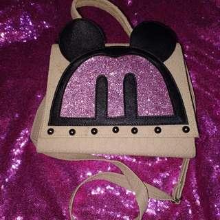 Sling bag mouse